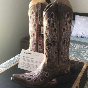 ARIAT women's boots so 6 1/2